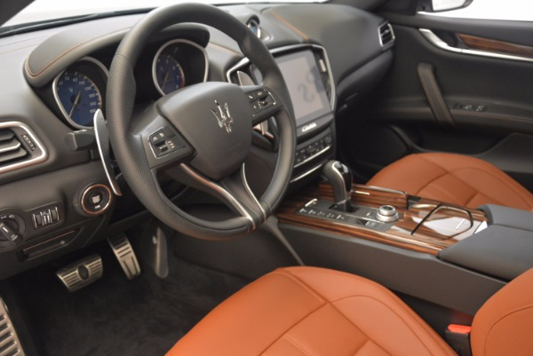 New 2018 Maserati Ghibli S Q4 Gransport for sale Sold at Rolls-Royce Motor Cars Greenwich in Greenwich CT 06830 13