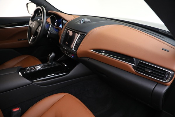 Used 2018 Maserati Levante Q4 for sale $57,900 at Rolls-Royce Motor Cars Greenwich in Greenwich CT 06830 21