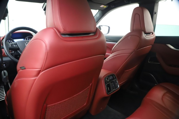 Used 2018 Maserati Levante S GranSport for sale $66,900 at Rolls-Royce Motor Cars Greenwich in Greenwich CT 06830 21
