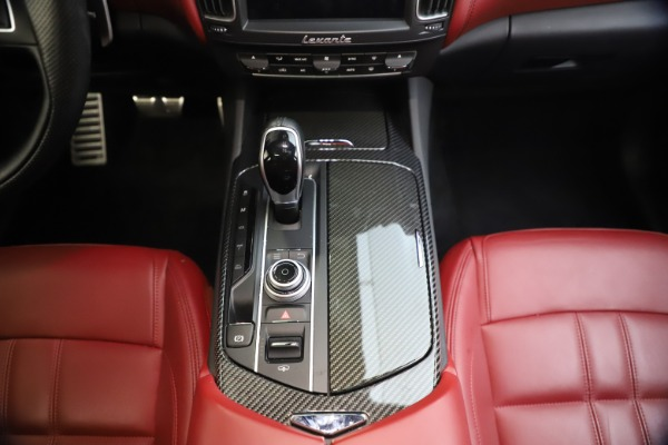 Used 2018 Maserati Levante S GranSport for sale $66,900 at Rolls-Royce Motor Cars Greenwich in Greenwich CT 06830 28