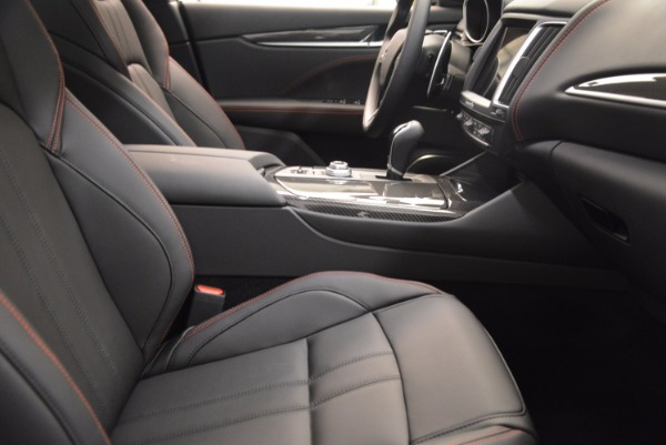New 2018 Maserati Levante S Q4 GRANSPORT for sale Sold at Rolls-Royce Motor Cars Greenwich in Greenwich CT 06830 20