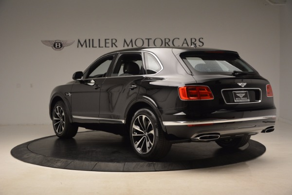 Used 2018 Bentley Bentayga Onyx Edition for sale $139,900 at Rolls-Royce Motor Cars Greenwich in Greenwich CT 06830 5