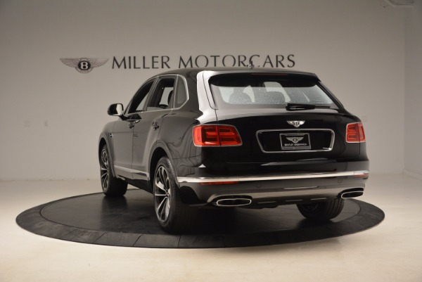 Used 2018 Bentley Bentayga Onyx Edition for sale $139,900 at Rolls-Royce Motor Cars Greenwich in Greenwich CT 06830 6
