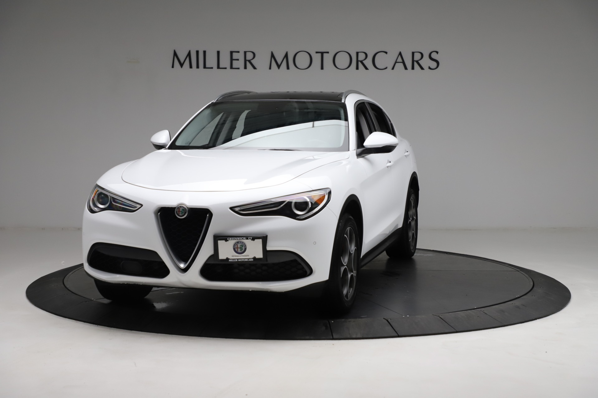 Used 2018 Alfa Romeo Stelvio Q4 for sale Sold at Rolls-Royce Motor Cars Greenwich in Greenwich CT 06830 1