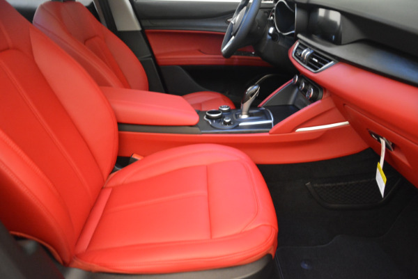 New 2018 Alfa Romeo Stelvio Q4 for sale Sold at Rolls-Royce Motor Cars Greenwich in Greenwich CT 06830 20