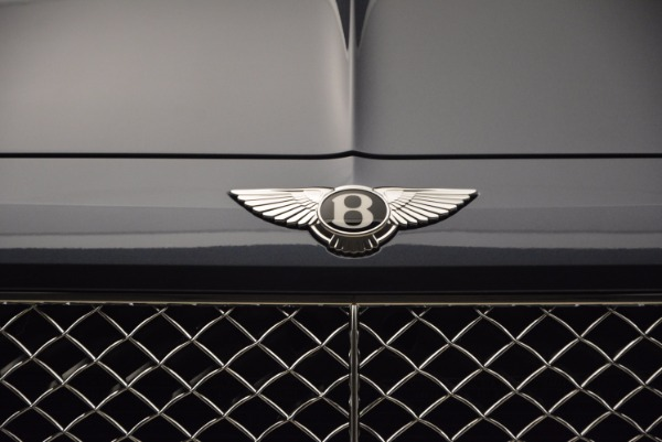 Used 2018 Bentley Bentayga Onyx for sale Sold at Rolls-Royce Motor Cars Greenwich in Greenwich CT 06830 14