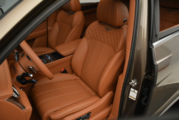 Used 2018 Bentley Bentayga W12 Signature for sale $159,900 at Rolls-Royce Motor Cars Greenwich in Greenwich CT 06830 21