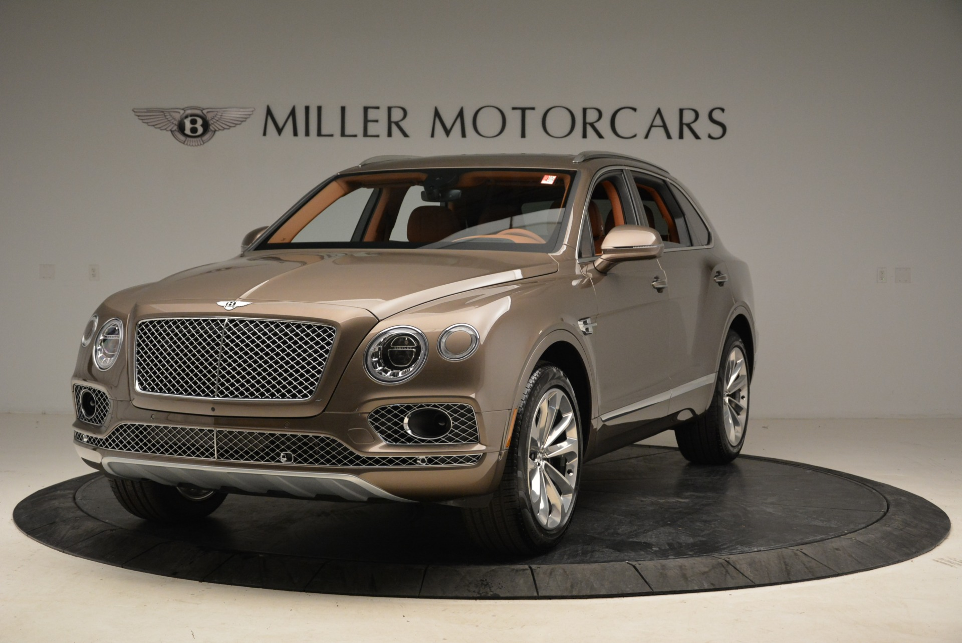 Used 2018 Bentley Bentayga W12 Signature for sale $159,900 at Rolls-Royce Motor Cars Greenwich in Greenwich CT 06830 1