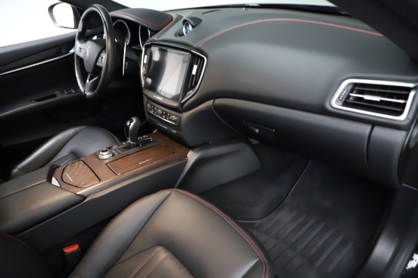 Used 2018 Maserati Ghibli S Q4 for sale Sold at Rolls-Royce Motor Cars Greenwich in Greenwich CT 06830 23
