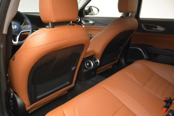 New 2018 Alfa Romeo Giulia Ti Lusso Q4 for sale Sold at Rolls-Royce Motor Cars Greenwich in Greenwich CT 06830 17