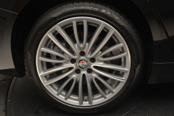 New 2018 Alfa Romeo Giulia Ti Lusso Q4 for sale Sold at Rolls-Royce Motor Cars Greenwich in Greenwich CT 06830 27