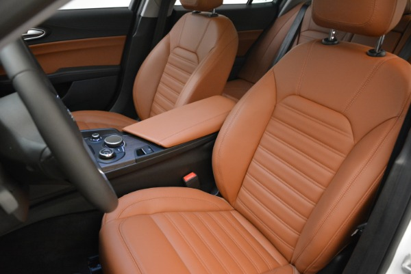 New 2018 Alfa Romeo Giulia Ti Lusso Q4 for sale Sold at Rolls-Royce Motor Cars Greenwich in Greenwich CT 06830 15