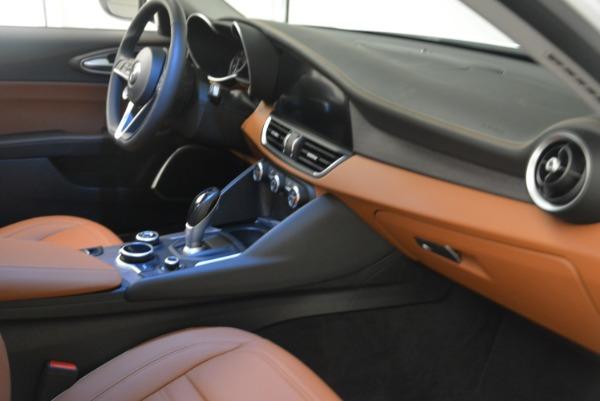 New 2018 Alfa Romeo Giulia Ti Lusso Q4 for sale Sold at Rolls-Royce Motor Cars Greenwich in Greenwich CT 06830 23