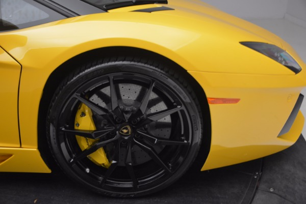 Used 2015 Lamborghini Aventador LP 700-4 Roadster for sale Sold at Rolls-Royce Motor Cars Greenwich in Greenwich CT 06830 27