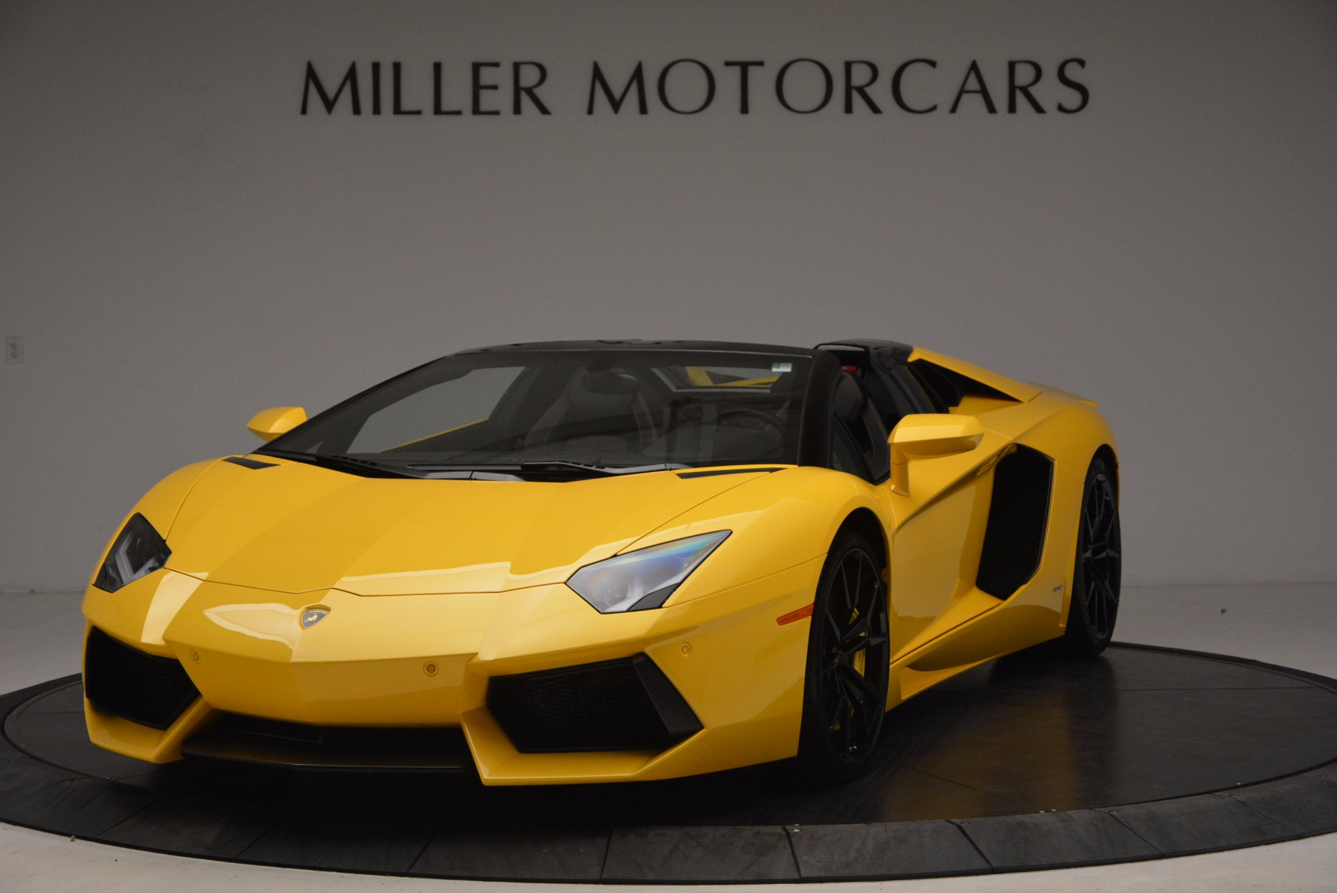 Used 2015 Lamborghini Aventador LP 700-4 Roadster for sale Sold at Rolls-Royce Motor Cars Greenwich in Greenwich CT 06830 1
