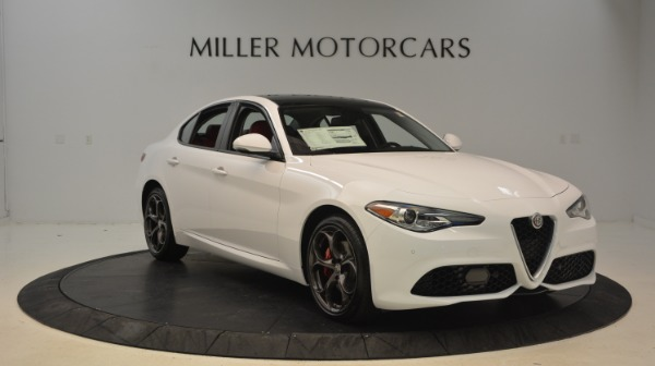 New 2018 Alfa Romeo Giulia Ti Sport Q4 for sale Sold at Rolls-Royce Motor Cars Greenwich in Greenwich CT 06830 11