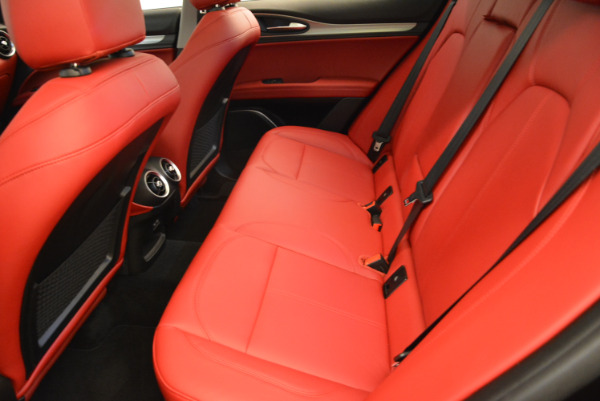 New 2018 Alfa Romeo Stelvio Sport Q4 for sale Sold at Rolls-Royce Motor Cars Greenwich in Greenwich CT 06830 17