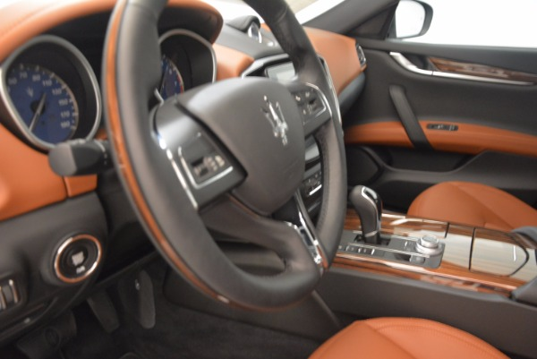 New 2018 Maserati Ghibli S Q4 GranLusso for sale Sold at Rolls-Royce Motor Cars Greenwich in Greenwich CT 06830 16
