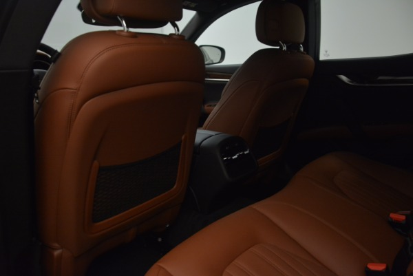 New 2018 Maserati Ghibli S Q4 GranLusso for sale Sold at Rolls-Royce Motor Cars Greenwich in Greenwich CT 06830 20