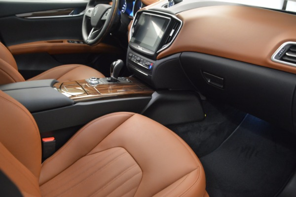 New 2018 Maserati Ghibli S Q4 GranLusso for sale Sold at Rolls-Royce Motor Cars Greenwich in Greenwich CT 06830 21