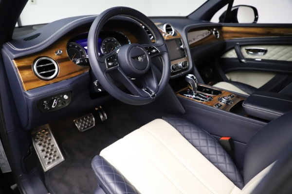 Used 2018 Bentley Bentayga W12 Signature for sale $154,900 at Rolls-Royce Motor Cars Greenwich in Greenwich CT 06830 18