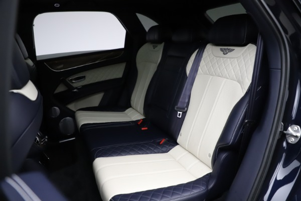Used 2018 Bentley Bentayga W12 Signature for sale $154,900 at Rolls-Royce Motor Cars Greenwich in Greenwich CT 06830 24