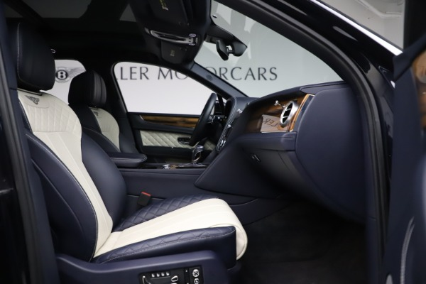Used 2018 Bentley Bentayga W12 Signature for sale $154,900 at Rolls-Royce Motor Cars Greenwich in Greenwich CT 06830 27