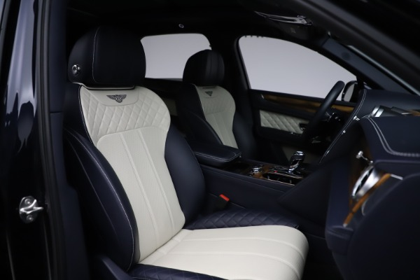 Used 2018 Bentley Bentayga Signature for sale $154,900 at Rolls-Royce Motor Cars Greenwich in Greenwich CT 06830 28