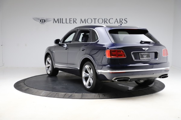 Used 2018 Bentley Bentayga Signature for sale $154,900 at Rolls-Royce Motor Cars Greenwich in Greenwich CT 06830 6