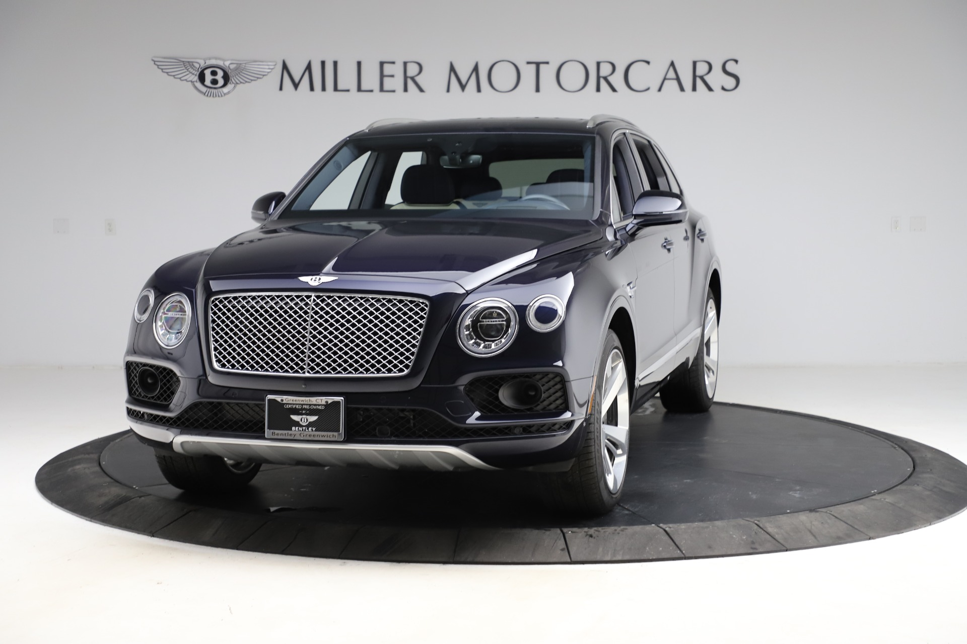 Used 2018 Bentley Bentayga Signature for sale $154,900 at Rolls-Royce Motor Cars Greenwich in Greenwich CT 06830 1