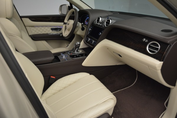 New 2018 Bentley Bentayga Signature for sale Sold at Rolls-Royce Motor Cars Greenwich in Greenwich CT 06830 26