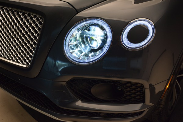 Used 2018 Bentley Bentayga W12 Signature for sale Sold at Rolls-Royce Motor Cars Greenwich in Greenwich CT 06830 19