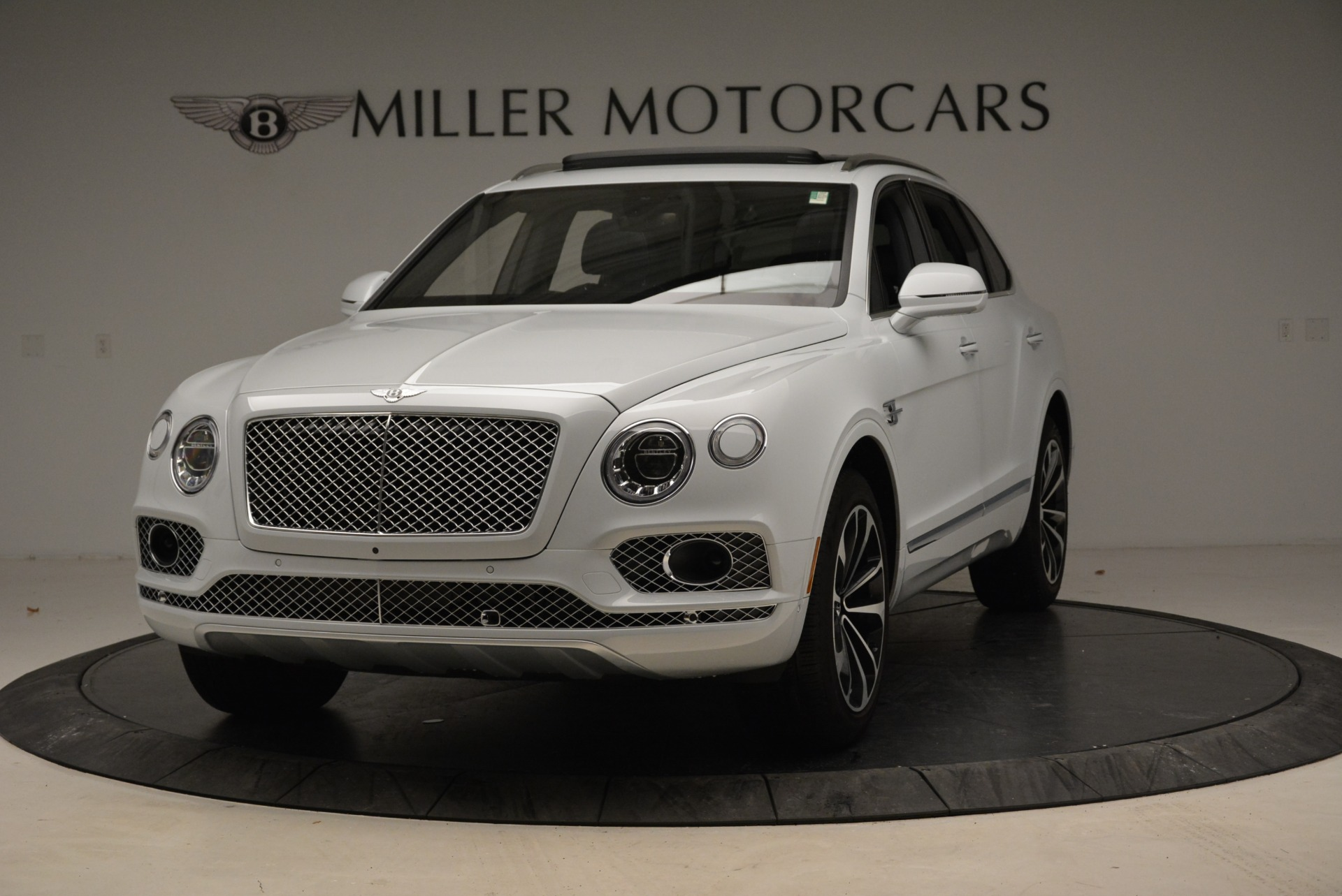 Used 2017 Bentley Bentayga for sale Sold at Rolls-Royce Motor Cars Greenwich in Greenwich CT 06830 1