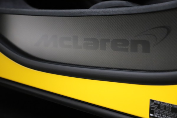 Used 2016 McLaren 675LT for sale $225,900 at Rolls-Royce Motor Cars Greenwich in Greenwich CT 06830 20