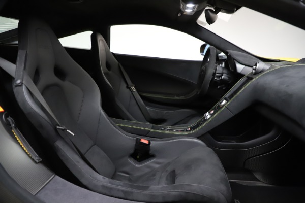 Used 2016 McLaren 675LT for sale $225,900 at Rolls-Royce Motor Cars Greenwich in Greenwich CT 06830 22