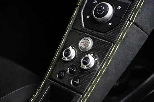 Used 2016 McLaren 675LT for sale $225,900 at Rolls-Royce Motor Cars Greenwich in Greenwich CT 06830 24