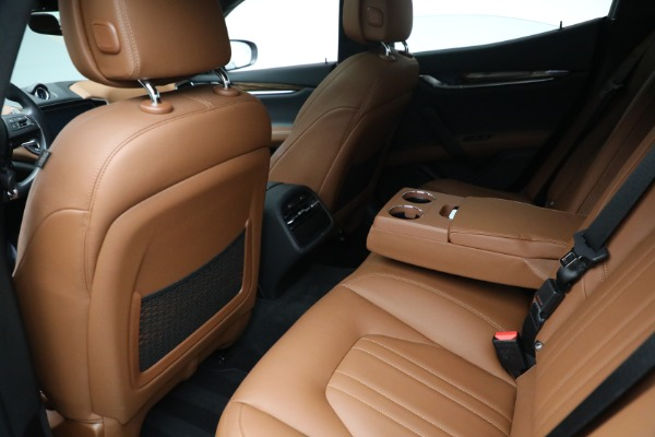 Used 2018 Maserati Ghibli S Q4 for sale $54,900 at Rolls-Royce Motor Cars Greenwich in Greenwich CT 06830 21