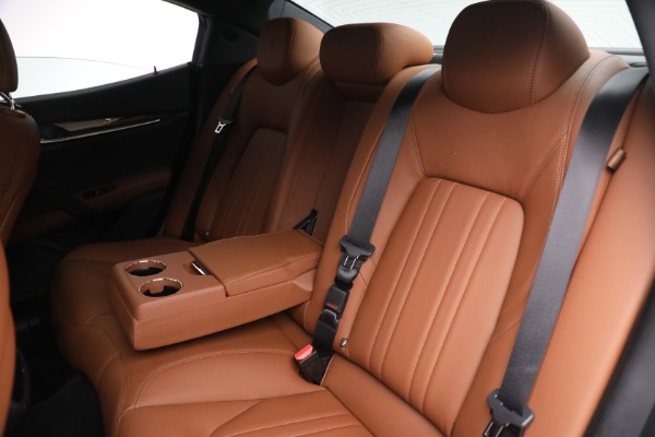 Used 2018 Maserati Ghibli S Q4 for sale $54,900 at Rolls-Royce Motor Cars Greenwich in Greenwich CT 06830 23