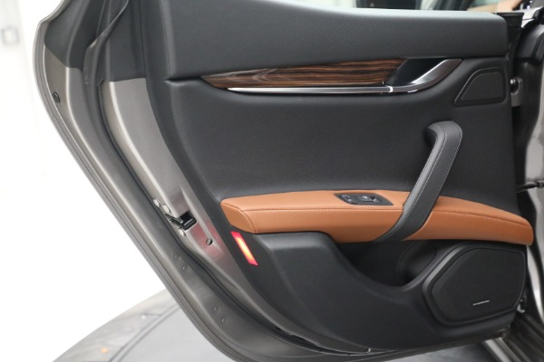 Used 2018 Maserati Ghibli S Q4 for sale $54,900 at Rolls-Royce Motor Cars Greenwich in Greenwich CT 06830 24
