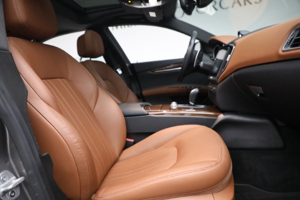 Used 2018 Maserati Ghibli S Q4 for sale $54,900 at Rolls-Royce Motor Cars Greenwich in Greenwich CT 06830 26