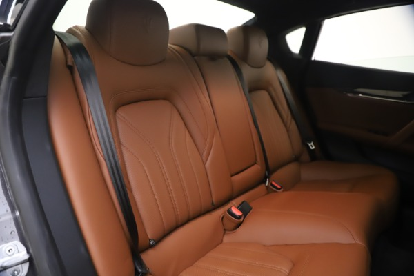 Used 2018 Maserati Quattroporte S Q4 GranLusso for sale $69,900 at Rolls-Royce Motor Cars Greenwich in Greenwich CT 06830 24