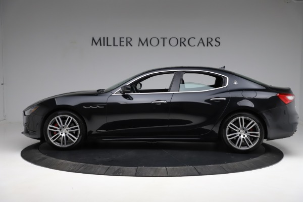 Used 2018 Maserati Ghibli S Q4 Gransport for sale $55,900 at Rolls-Royce Motor Cars Greenwich in Greenwich CT 06830 3