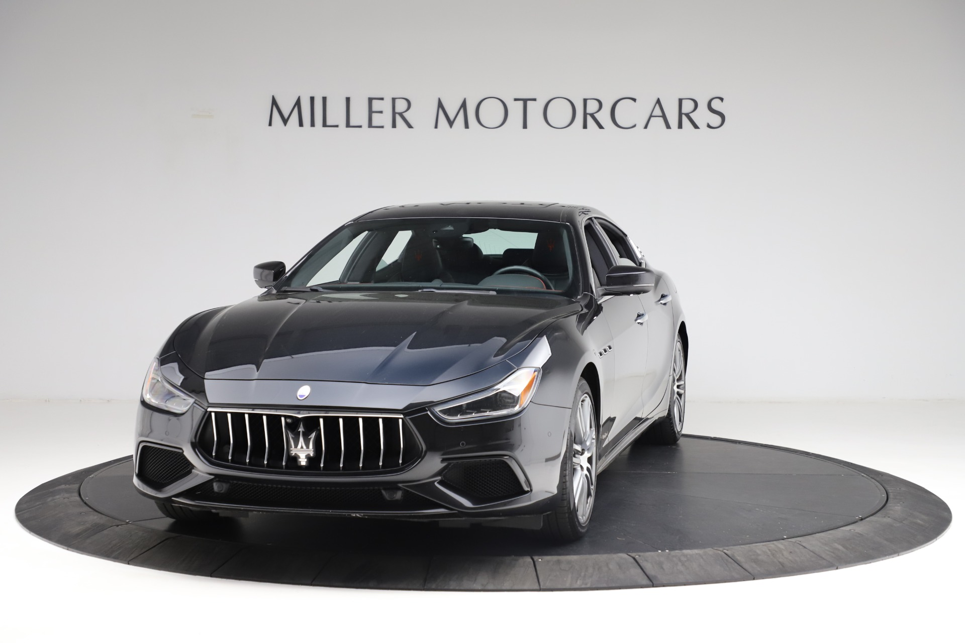 Used 2018 Maserati Ghibli S Q4 Gransport for sale $55,900 at Rolls-Royce Motor Cars Greenwich in Greenwich CT 06830 1
