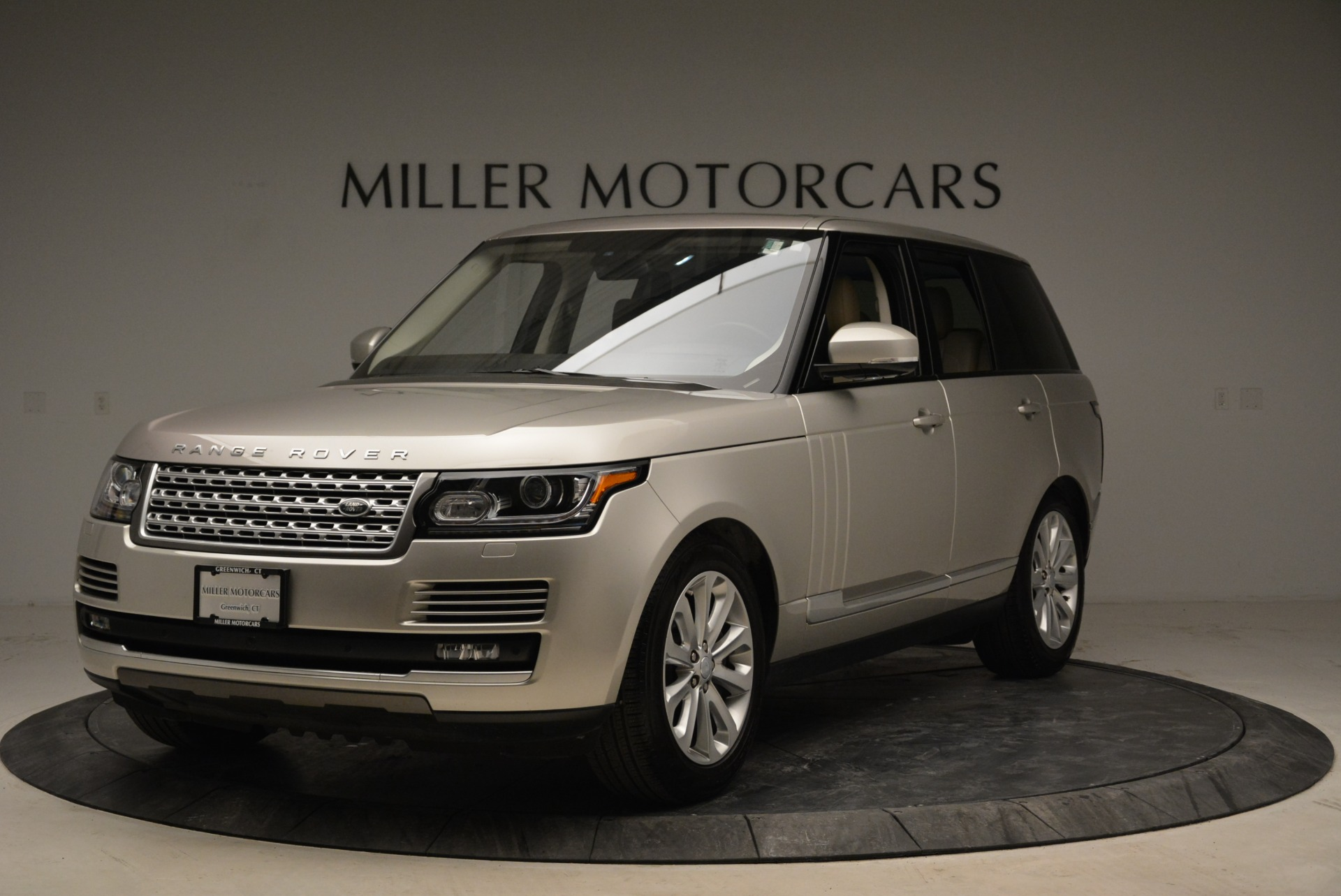 Used 2016 Land Rover Range Rover HSE for sale Sold at Rolls-Royce Motor Cars Greenwich in Greenwich CT 06830 1