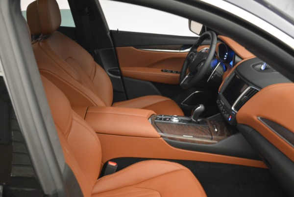New 2018 Maserati Levante S Q4 GranLusso for sale Sold at Rolls-Royce Motor Cars Greenwich in Greenwich CT 06830 20