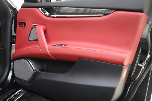 Used 2018 Maserati Quattroporte S Q4 GranSport for sale $67,900 at Rolls-Royce Motor Cars Greenwich in Greenwich CT 06830 25