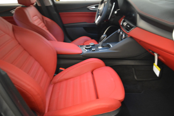 New 2018 Alfa Romeo Giulia Ti Sport Q4 for sale Sold at Rolls-Royce Motor Cars Greenwich in Greenwich CT 06830 20