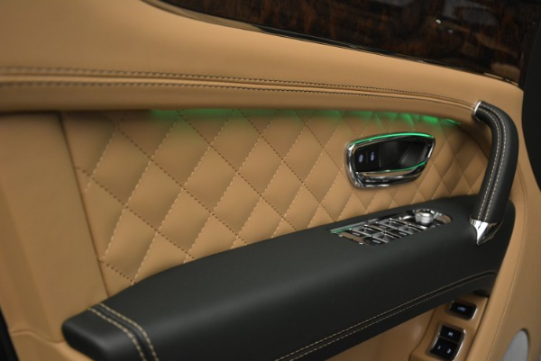 New 2018 Bentley Bentayga Signature for sale Sold at Rolls-Royce Motor Cars Greenwich in Greenwich CT 06830 23