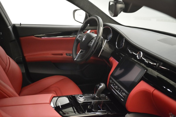 New 2018 Maserati Quattroporte S Q4 GranLusso for sale Sold at Rolls-Royce Motor Cars Greenwich in Greenwich CT 06830 27