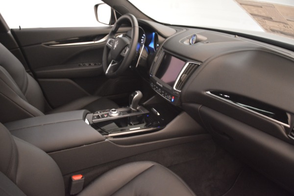 New 2018 Maserati Levante Q4 for sale Sold at Rolls-Royce Motor Cars Greenwich in Greenwich CT 06830 20